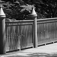 Nashville-Zoo-Bridge-BW_R732004v1
